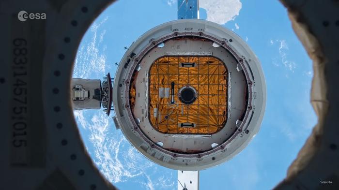 Отстыковка грузового корабля Dragon от МКС. Видео от European Space Agency. Spacex, Falcon 9, Дракон, Космос, Илон Маск, МКС, Видео