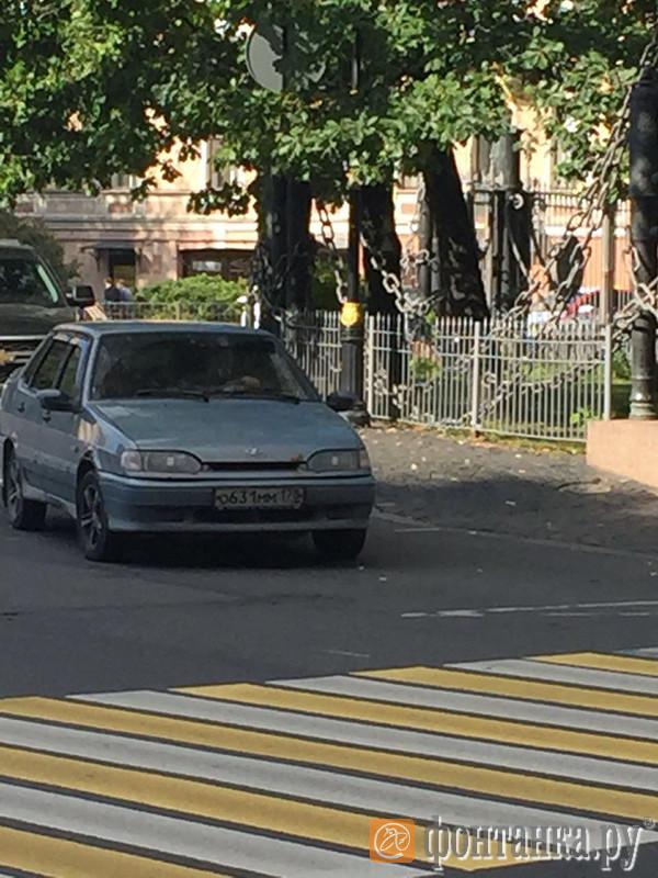 В центре Петербурга на женщину напали с битой. Очевидцы сфотографировали машину преступников Новости, Россия, Санкт-Петербург, Бита, Длиннопост, Негатив, Преступление