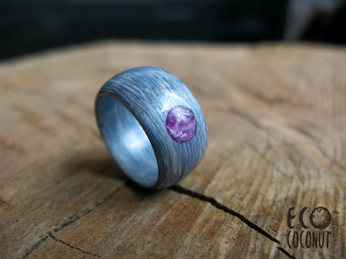 Кольцо из шпона с натуральным камнем Рукоделие без процесса, Кольцо из шпона, Кольцо из дерева, Кольцо с камнем, Чароит, Bentwood ring, Длиннопост