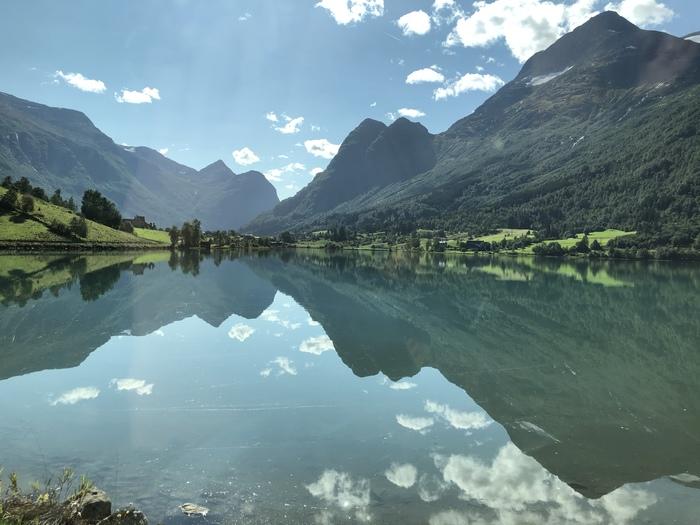 Озеро Floen, Olden, Норвегия