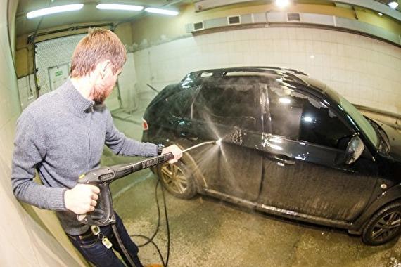 В Москве полицейские избили работников автомойки за отказ бесплатно помыть их машину Общество, Россия, Полиция, Автомойка, Сотрудники, Избиение, Прокуратура, Негатив