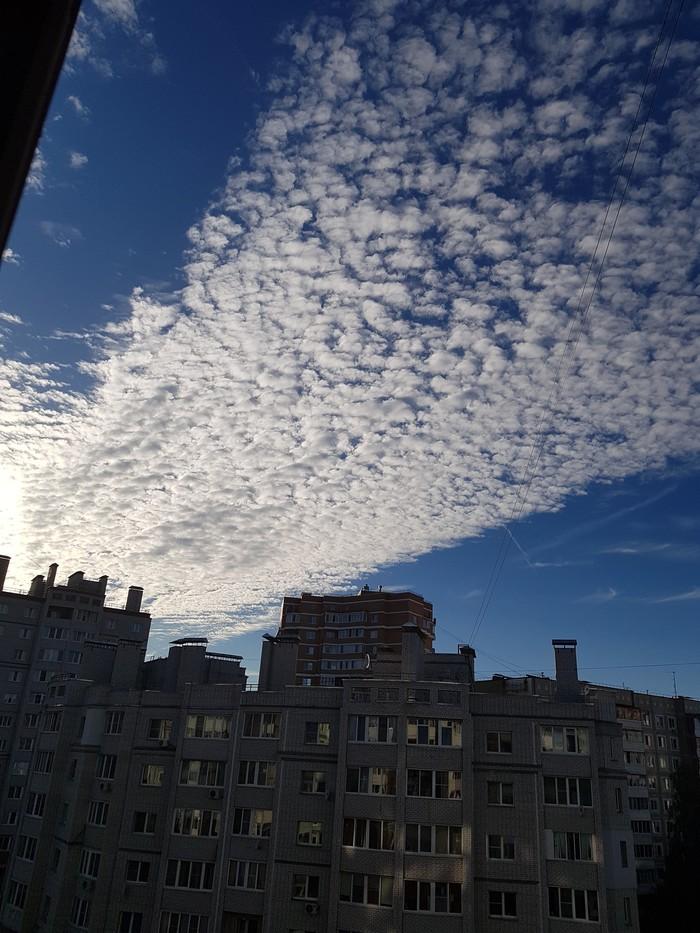 А из нашего окошка Фото на тапок, Облака