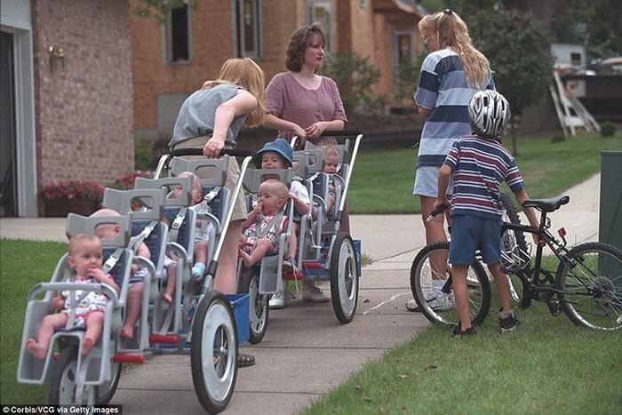 Редкий случай: семерняшки закончили школу и теперь у каждого свой путь. Многодетная семья, Семерняшки, Счастливая семья, Семья, Дети 90х, Невозможное возможно, Длиннопост