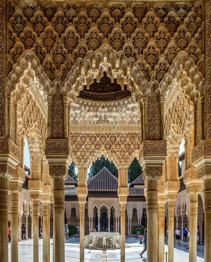 Исламская архитектура Гренады, Испания.
