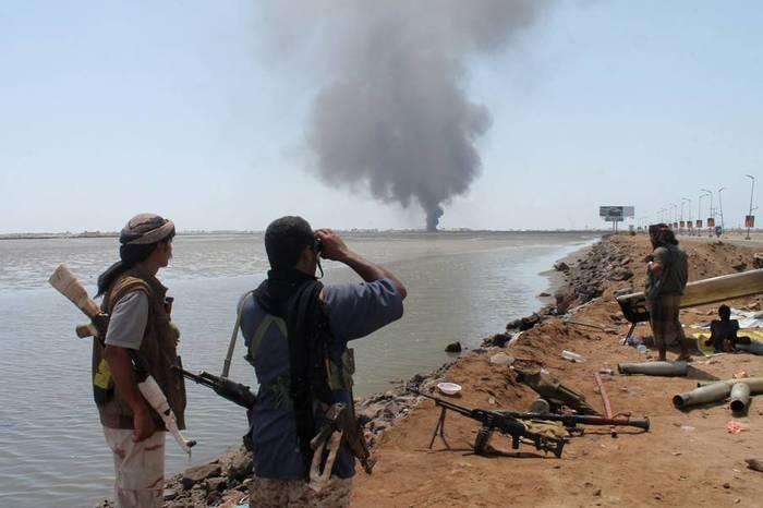 Вашингтон одобряет: в Йемене возобновились бои за Ходейду Политика, Военные действия, Йемен, Саудовская Аравия, США, Пентагон, Длиннопост