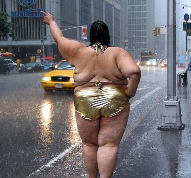 «Я не вожу жирных баб»: женщины хотят засудить таксиста из Уфы Такси, Дамы, Видео, Длиннопост