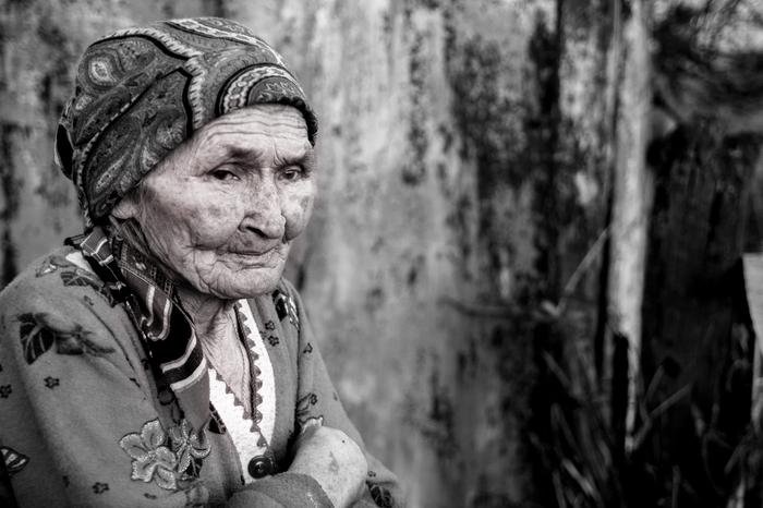 Доброты её бесконечность. Фотопортрет, Черно-Белое фото, Детство, Старость, Совесть, Длиннопост
