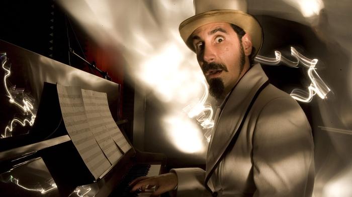 Почему этому мужчине еще никто не предложил Дьявола сыграть?) Серж Танкян, System of a Down, Фотография