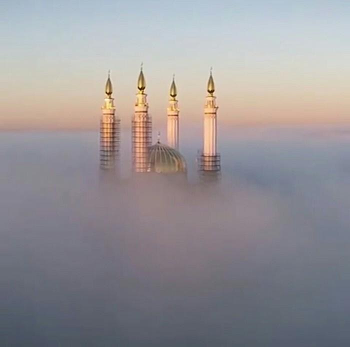 Уфимская мечеть в тумане. Мечеть, Уфа, Башкортостан, Туман, Религия, Красота, Природа, Россия, Длиннопост