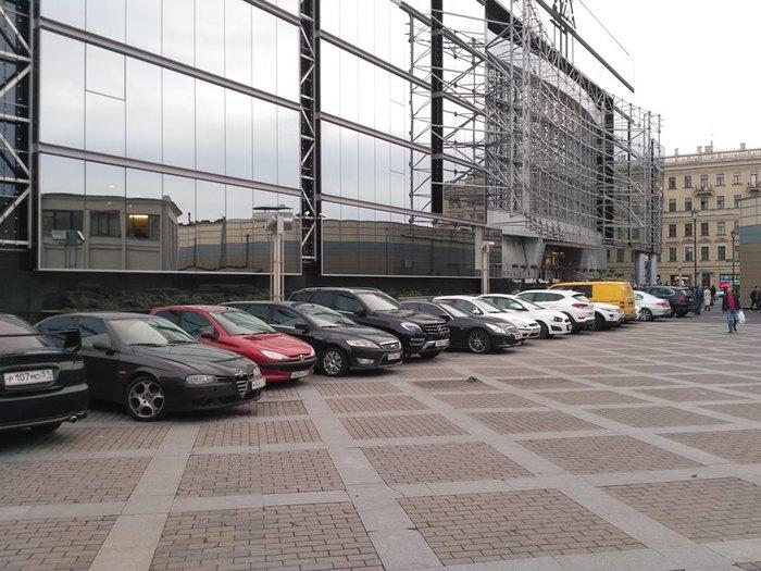 Хаотичной автомобильной парковке на Сенной площади Петербурга – БЫТЬ! Санкт-Петербург, Сенная площадь, Неправильная парковка, Автомобилисты, Длиннопост