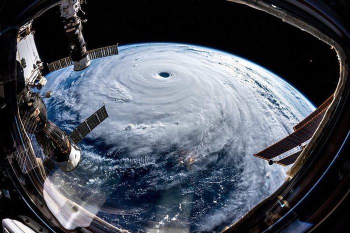 SuperTyphoon Trami, seen from space. Trami, Typhoon, Длиннопост, Тайфун, МКС, Фотография