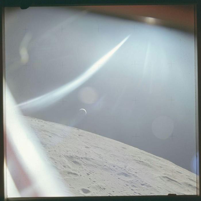 Фото Земли с поверхности Луны, сделанное экипажем Apollo 15 47 лет назад.