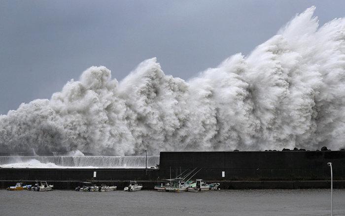 Тайфун «Джеби» оставил без света тысячи жителей Сахалина Джеби, Тайфун, Сахалин, Новости, Происшествие, Катаклизм, Длиннопост