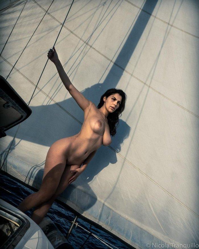 Под парусами:) Valentina Nappi, Яхта