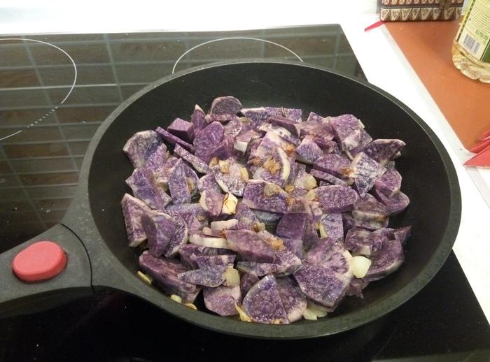 Фиолетовая картошечка Картофель, Фиолетовая картошка, С лучком