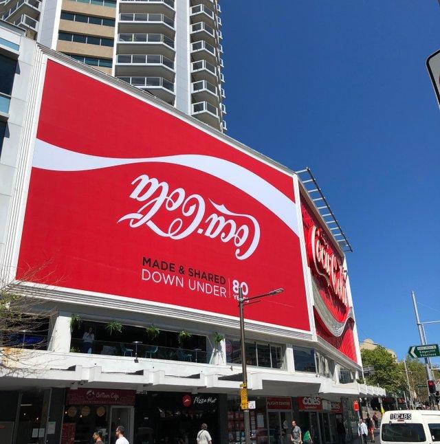 Реклама известного бренда в Австралии