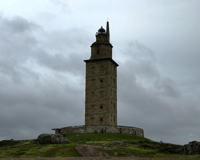 """Маяк """"Башня Геркулеса""""  (исп. Torre de Hercules) Маяк, Древность, Испания, Башня, Длиннопост"""