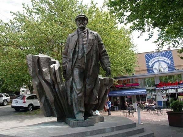 Это памятник В.И.Ленину в Сиэтле, США. Памятник ленину, Фотография, Из сети