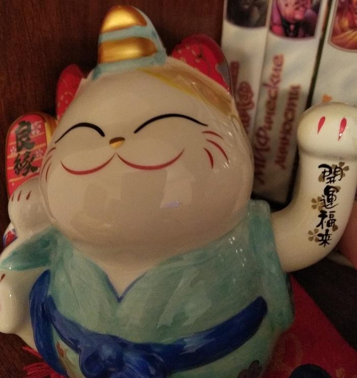 Помогите с распознаванием кота удачи! Манеки неко, Китай, Китайские иероглифы, Перевод