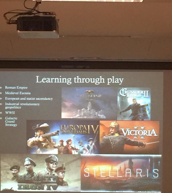 """""""Тот момент, когда преподаватель в университете говорит вам поиграть в стратегии от Paradox games для изучения истории"""""""
