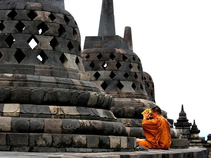 В Таиланде звон колокола вызвал международный скандал Таиланд, Колокол турист, Сон, Нарушение сна, Международный скандал, Гифка, Длиннопост