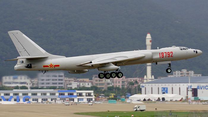 У американского стелс бомбардировщика B-2 скоро появится конкурент. Китай, Самолет, Стелс, Вооружение, НОАК, Техника, Бомбардировщик, Длиннопост