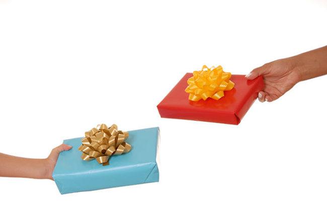 Обмен подарками Обмен подарками, Муравьи, Вопрос