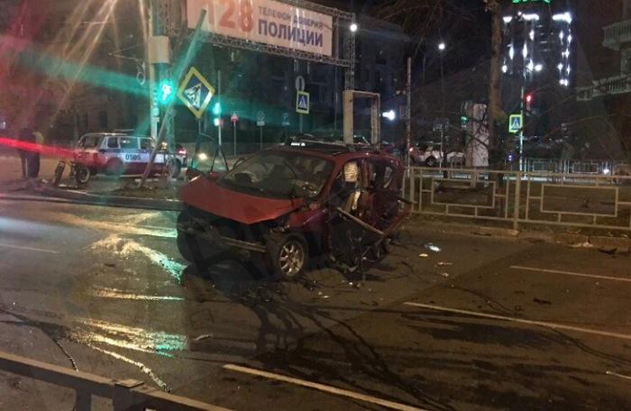 Очередное пьяное тело устроило ДТП с погибшими в центре Барнаула. Нужен резонанс. Без рейтинга, ДТП, Барнаул, Негатив, Длиннопост, Авто, Авария
