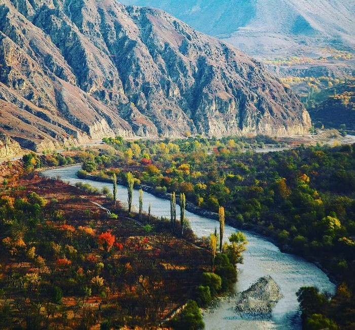 Долина Андийского Койсу, Ботлихский район, республика Дагестан.