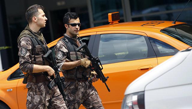Турецкая полиция обнаружила улики, указывающие на убийство Хашукджи Общество, Турция, Убийство, Стамбул, Посольство, Саудовская Аравия, Журналисты, РИА Новости