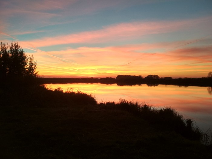 Закатное озеро Красота природы, Озеро