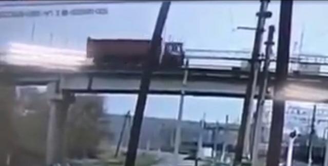 В обрушении виадука в приамурском Свободном виноват грузовик? ДТП, Мост, Обрушение, Жд мост, Видео, Длиннопост, Свобода