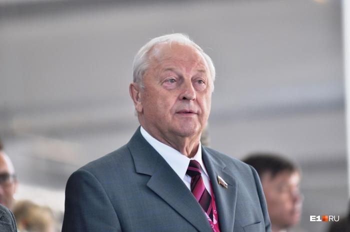Эдуард Россель поддержал идею назвать аэропорт Кольцово в честь себя Аэропорт, Переименование, Маразм