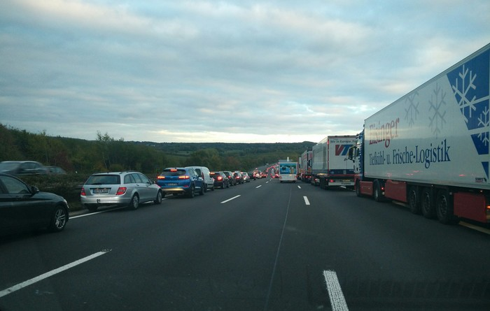 Авария на автобане Германия, Автобан, Авария