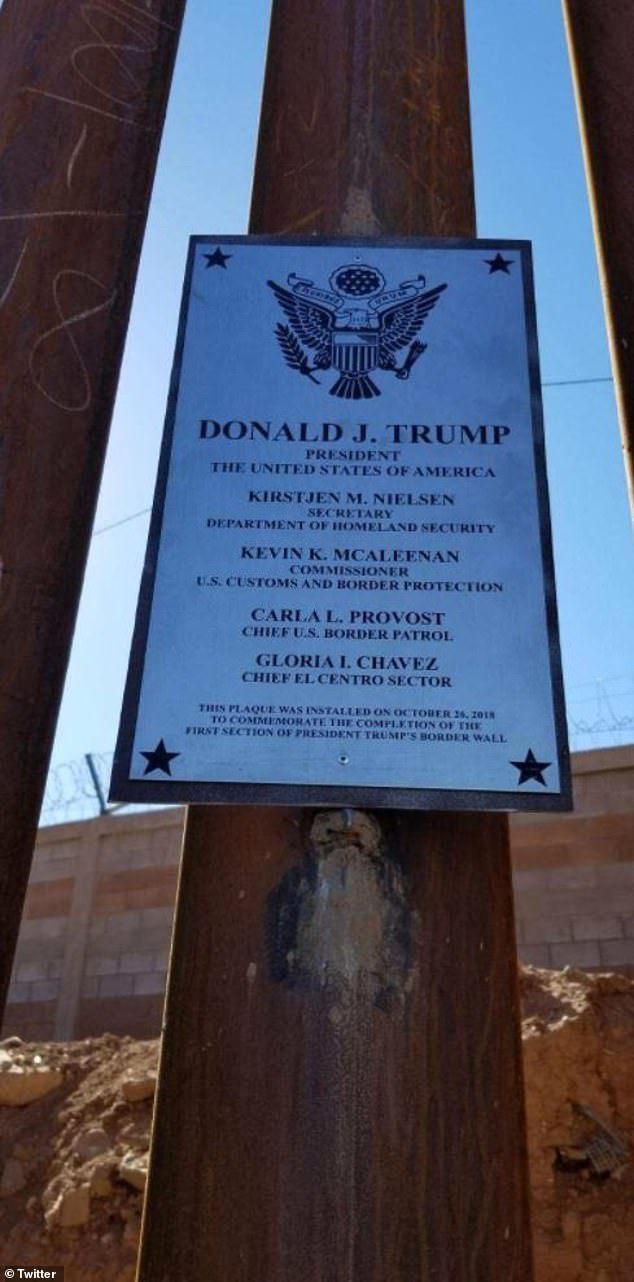 """""""Открытие"""" первого участка 9-метровой стены на границе США-Мексика США, Мексика, Великая мексиканская стена, Трамп, Кирстен Нильсен, Эмигранты, Политика, Видео, Длиннопост"""