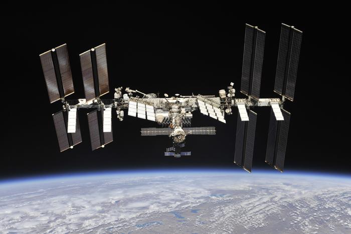 Первые за семь лет фотографии МКС со стороны МКС, Космос, Длиннопост