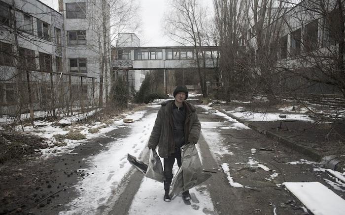 Мародеры в ЧЗО. Чернобыль, Зона отчуждения, Припять, Длиннопост