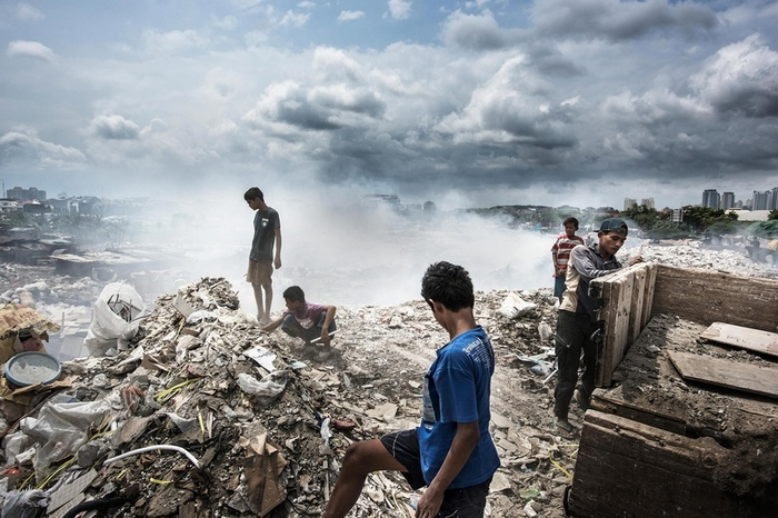 Утопающие в мусоре Мусор, Экология, Свалка, Проблема отходов, Загрязнение мусором, Newочем, Перевод, Озвучка, Длиннопост