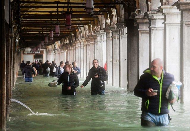 Три четверти Венеции затоплено из-за наводнения Венеция, Наводнение, 2018, Видео, Длиннопост