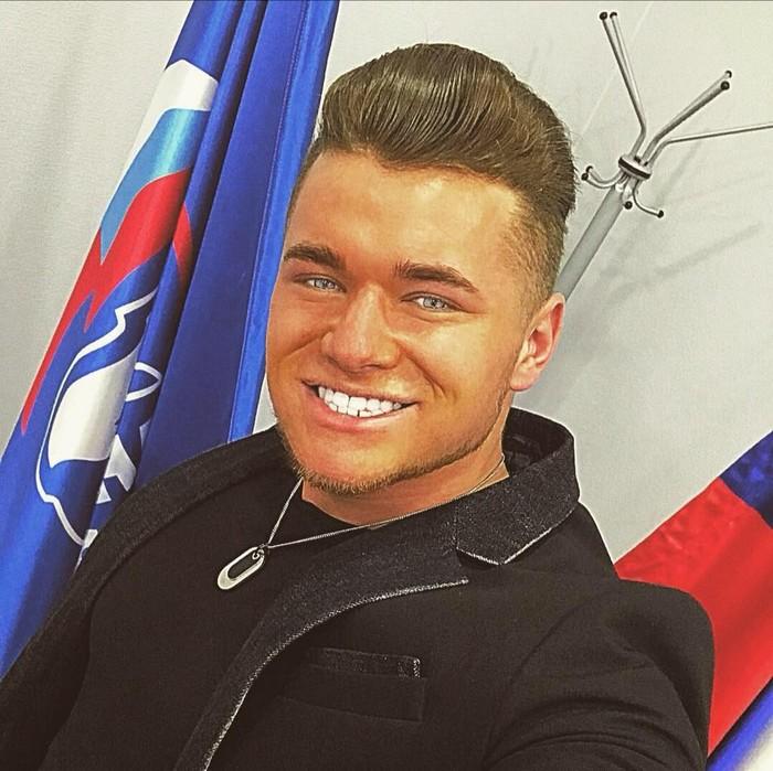 Депутат сосет хуй видео девки фото общаге