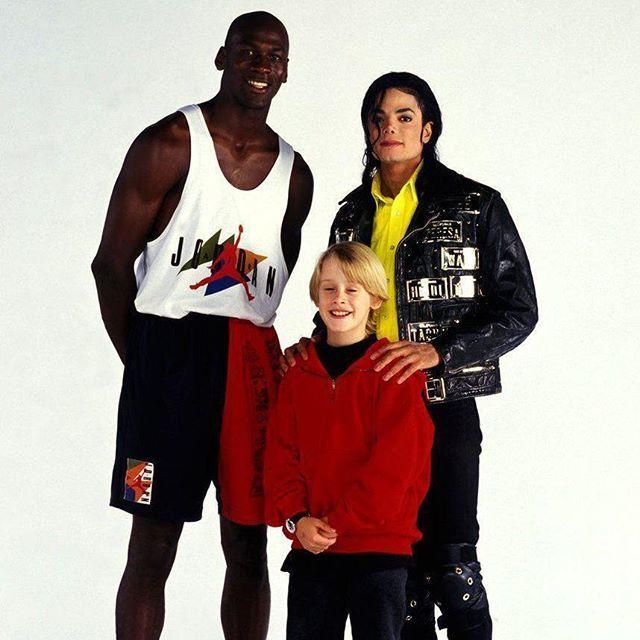Спорт, музыка и кино 90-х в одной фотографии Ретро фото, 90-е, Майкл Джордан, Майкл Джексон, Маколей Калкин, Знаменитости