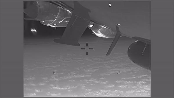 ВМС США обвинили истребитель РФ в опасном маневрировании над Черным морем Общество, Военные, Россия, США, Черное море, Интерфакс, Гифка, Длиннопост