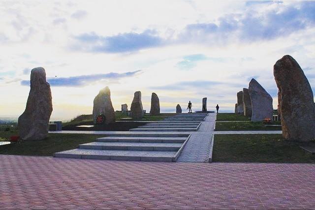 Мемориал памяти погибших воинов в Абакане. Абакан, Хакасия, Мемориал, Сибирь, Ликбез, Защитники Родины, Диссонанс, Длиннопост