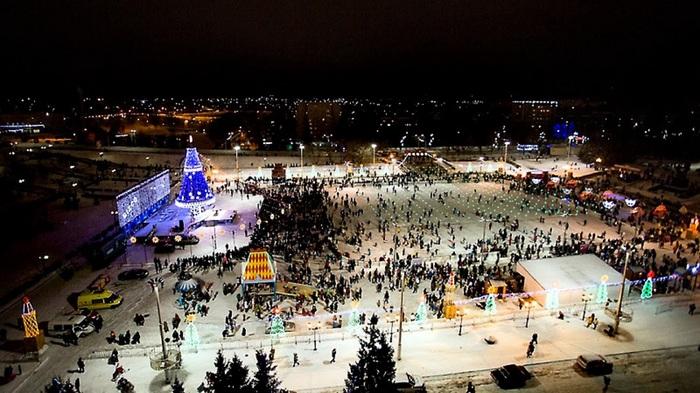 Почти всесезонный ледяной каток в нашем городе Альметьевск, Каток, Коньки, Позитив, Татарстан, Длиннопост