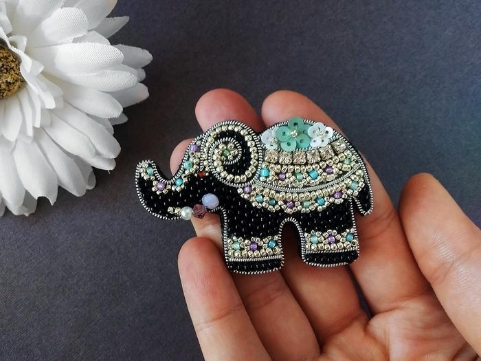 """Брошь """"Индийский слон"""" Брошь, Бисер, Handmade, Вышивка, Слоны, Рукоделие без процесса"""
