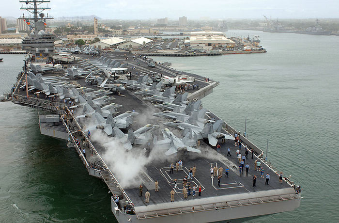 Употребление наркотиков на авианосце ВМС США оказалось массовым явлением Политика, США, Наркотики, Лсд, Авианосец