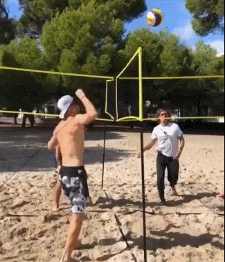 Кто играл в детстве во дворе в квадрат? Спорт, Волейбол, Игры, Гифка
