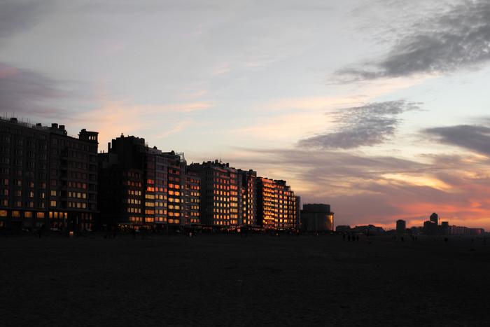 Закат на берегу Северного моря. Остенде.