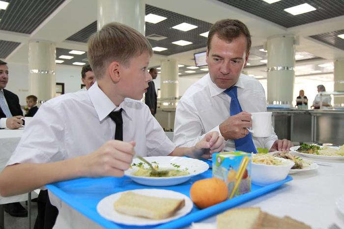 Голодающий депутат предложил Медведеву посидеть на «министерской диете» Новости, Россия, Депут, Премьер-Министр, Прожиточный минимум, Николай Бондаренко, Политика