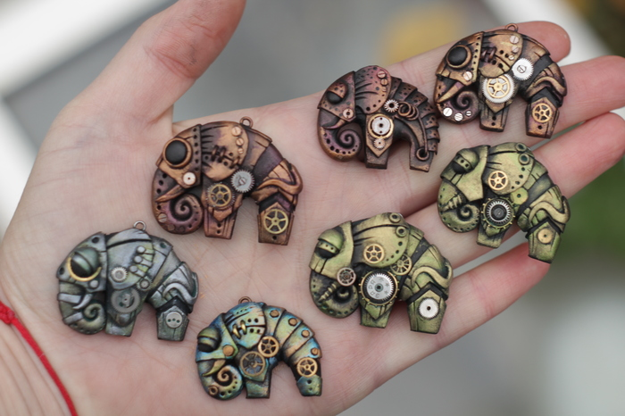 Слоны из полимерной глины в стиле стимпанк.